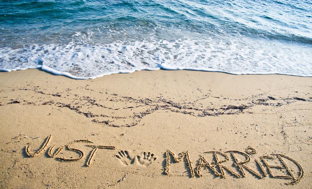 Simak Tips Berikut Untuk Anda yang Hendak Honeymoon di Malam Pertama shutterstock_58663960