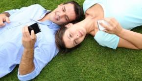smartphone-ruining-relationship
