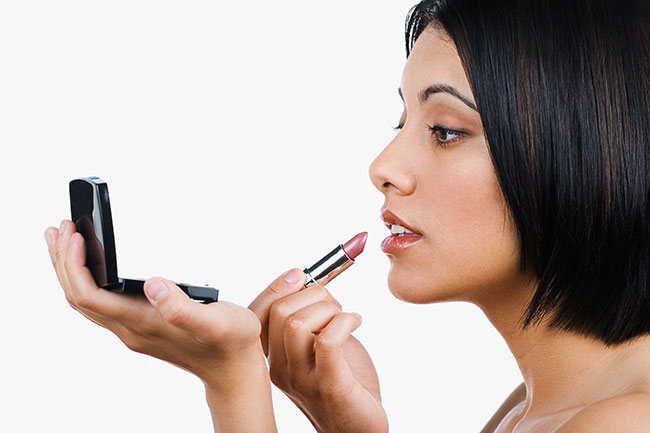 How to Properly Apply Lipstick | Loren's World