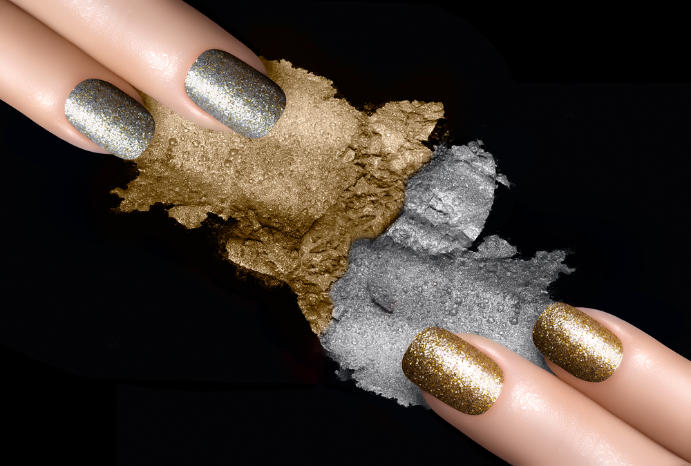 silver and gold metallic manicure new year's eve ideas