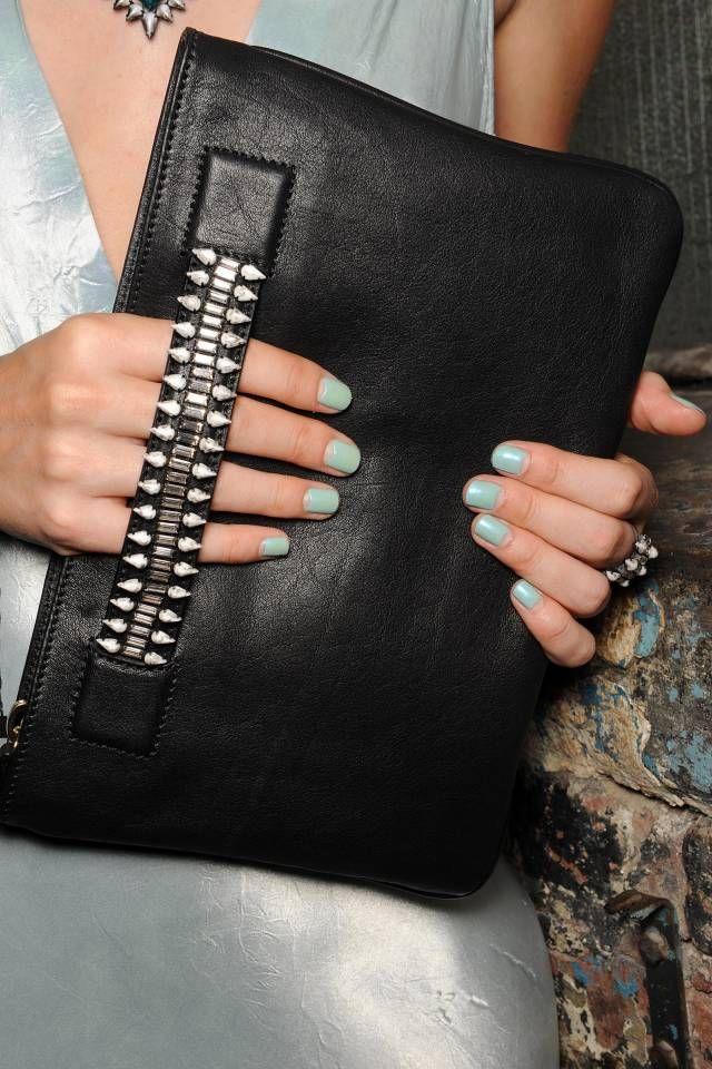 The 5 Hottest Handbag Trends Of Spring 2015