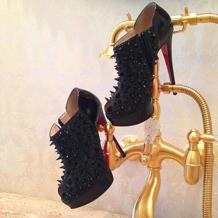 Loren-Ridinger-Shoes-Louboutins-Collection