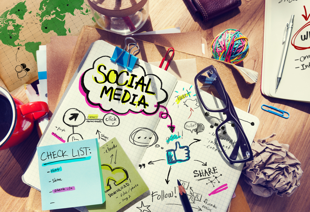 The Do's & Don'ts of Your Social Media Profile | Loren's World