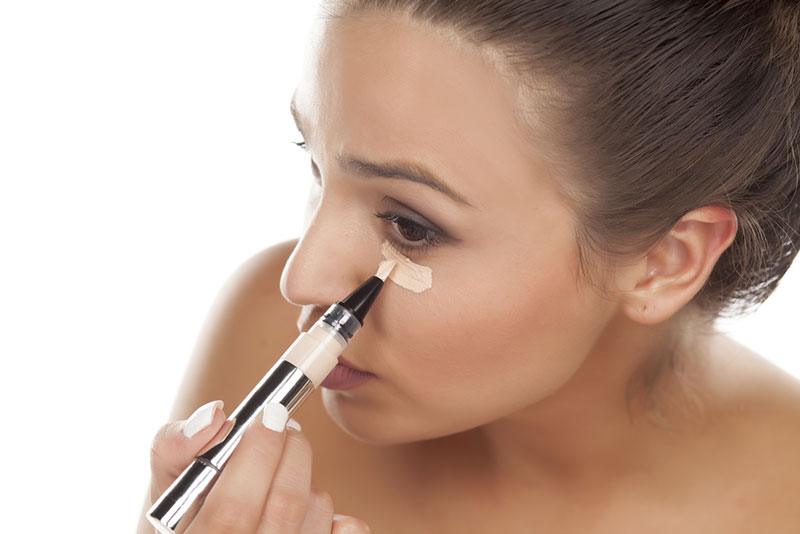 6 Tips for Covering Up Dark Under Eye Circles