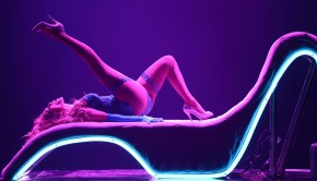 """J Lo Rocks Vegas with """"All I Have"""" 