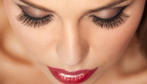 Beauty Basics: How to Make Your Lashes Pop | Loren's World