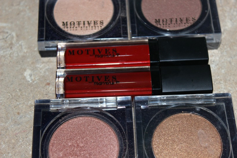 motives shimmer powder and matte lip gloss