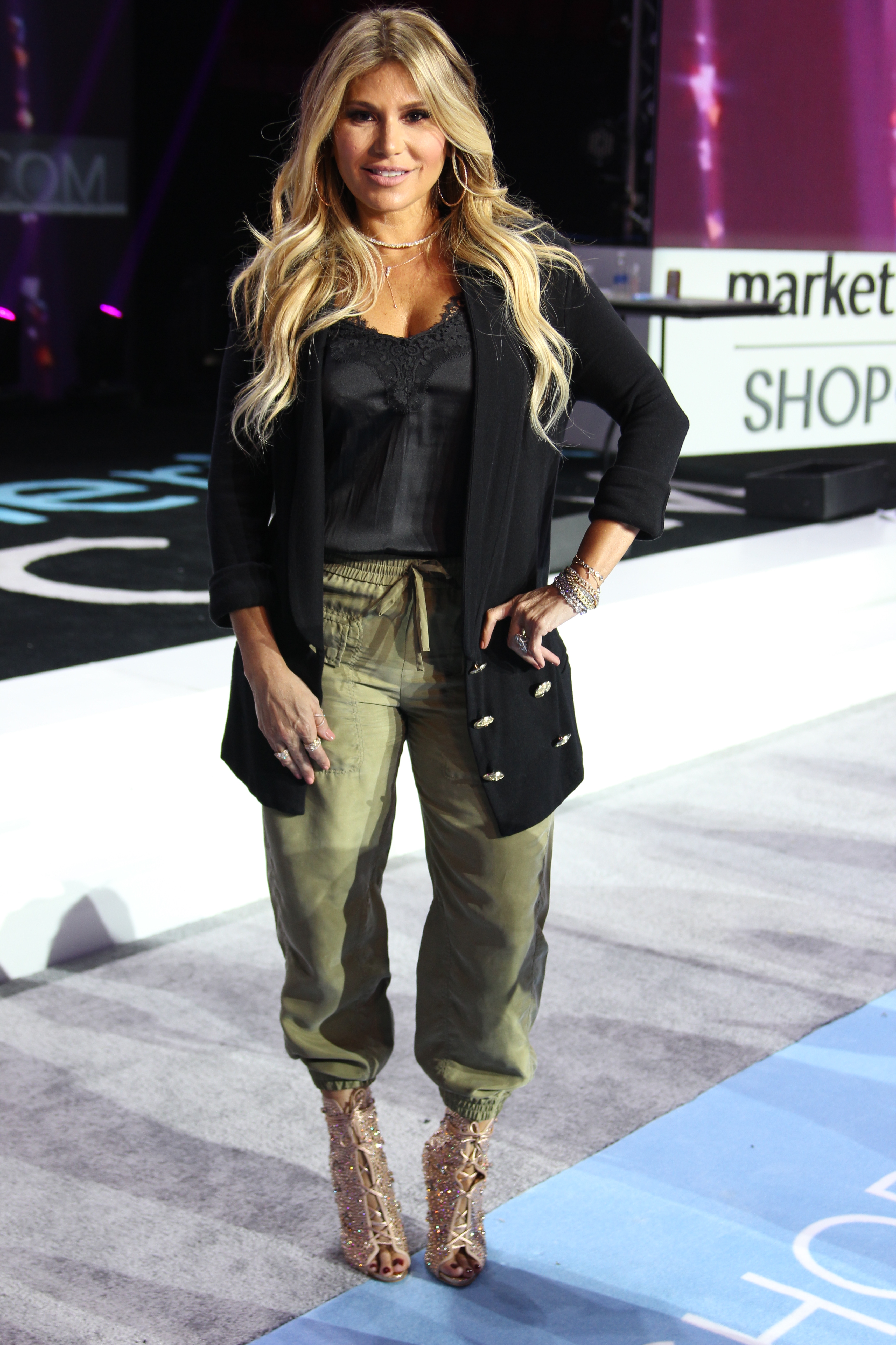 loren ridinger, mawc, mac my outfit, my style, trends, outfit, jennifer lopez x Giuseppe, rehearsal day