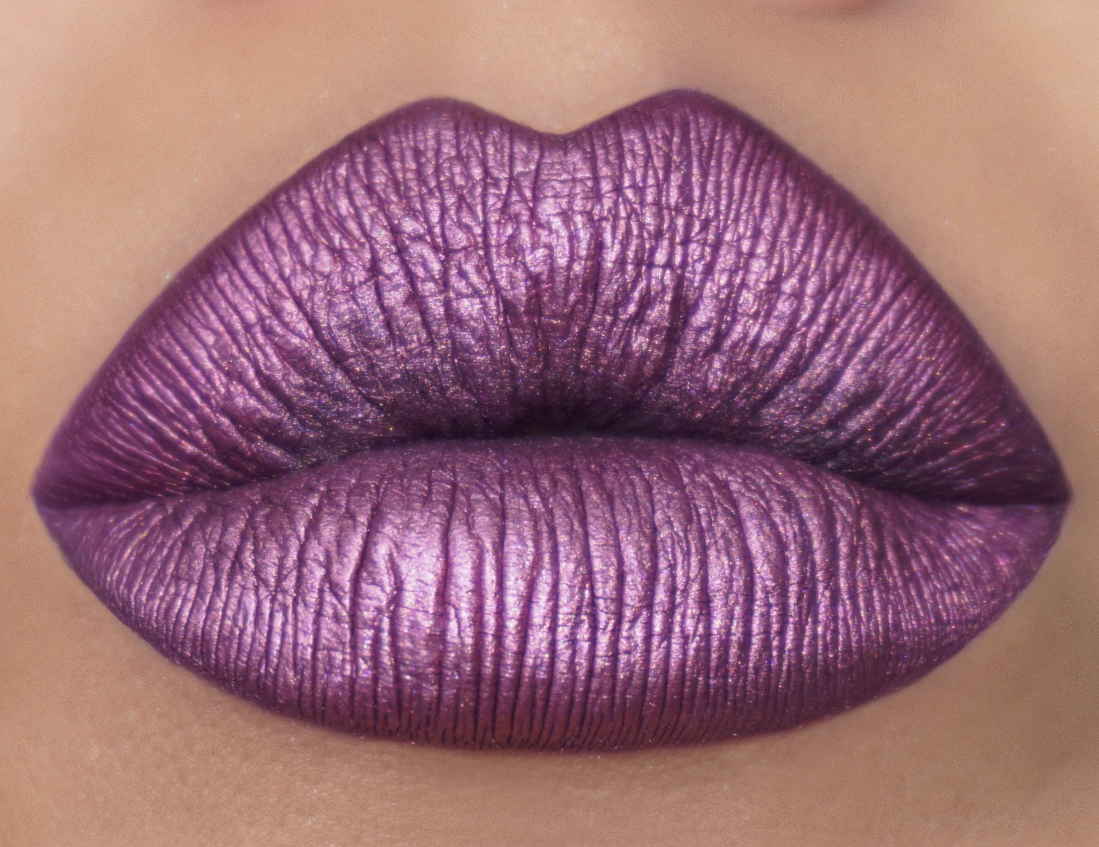How To Create A Metallic Lip Look