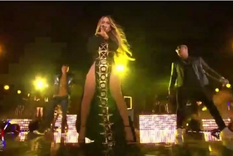 """J Lo Releases New Song """"Ni Tu Ni Yo"""""""