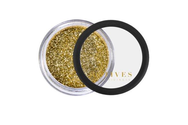Can We Talk About Gigi Hadid's Golden Birthday Makeup?, gigi hadid's golden makeup, makeup, beauty, gigi hadid