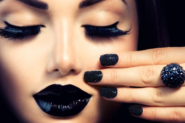sns vs. gel manicures
