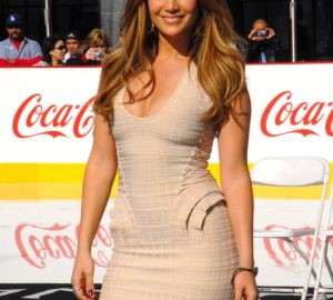 JLo's Outfits You Can Recreate at Home, jennifer lopez, style, outfits you can wear at home, style jlo style