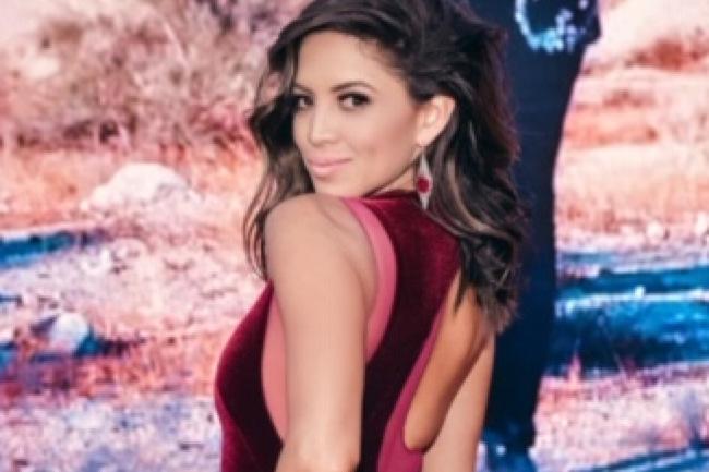 Regina Arriola Cauff in Loren Jewels at Latin Grammys, influencer, latin grammys,