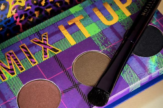 Motives® Glam Squad: @makeup_phenny Uses Our In The Mix Collection, in the mix, glam squad, motives cosmetics, loren ridinger, loren, loren ridinger, motives